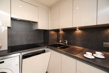 Croisette Azur Residence - 5 Stars Holiday House - In-Room Kitchen  - #0