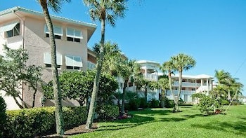 Anna Maria Island Club Unit 17 by RedAwning