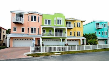 South Beach Village 111 10th by RedAwning