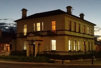 The Bank Guest House Glen Innes