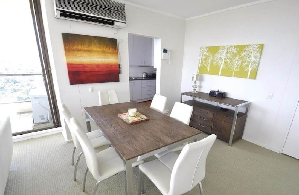 North Sydney 21 Rig Furnished Apartment