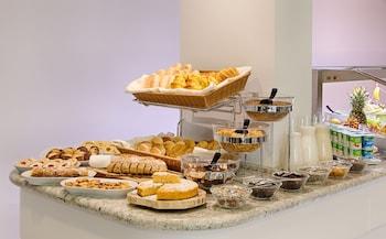 Hotel Cristal Porto - Breakfast Area  - #0