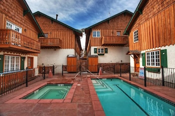 Alpenblick Townhomes - Outdoor Pool  - #0