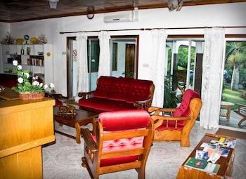 Villa de Roses - Lobby Sitting Area  - #0