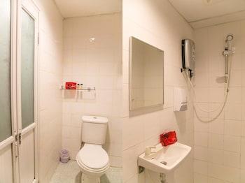 OYO 150 D'Garden Hotel - Bathroom  - #0
