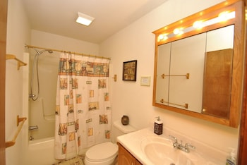Unwind at Lake View - Bathroom  - #0