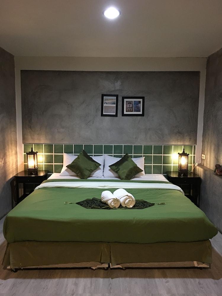 Phunyanuch Hotel