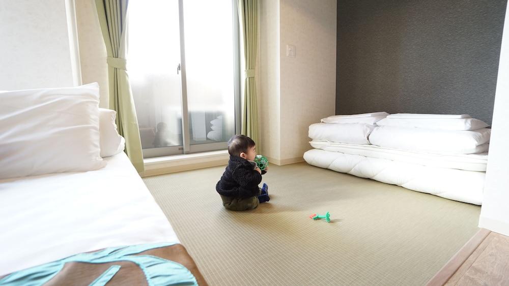 Poly Hostel Osaka