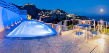 Sciccosa Guest House - Outdoor Pool  - #0