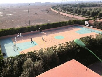 Riad Halouana - Basketball Court  - #0