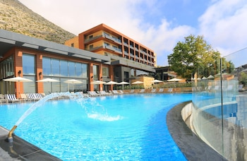 Mist Hotel And Spa By Warwick