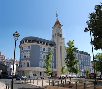 Lisbon Five Stars Apartments 8 Building - Featured Image  - #0
