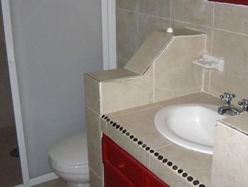 Hotel Villas Amarillas - Bathroom Shower  - #0