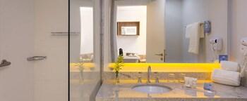 Quality Hotel Itaipava - Bathroom  - #0