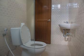 RedDoorz @ Imam Bonjol - Bathroom  - #0