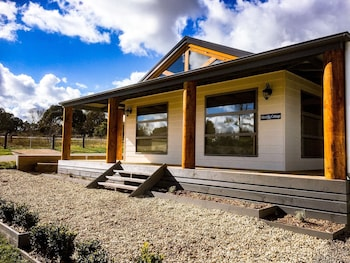 Photo for Daysend Cottages in Merrijig, Victoria