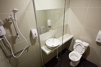 Place2Stay Business Hotel - Waterfront - Bathroom  - #0