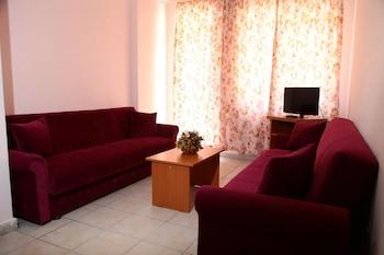 Bella Rose Apart - Living Room  - #0