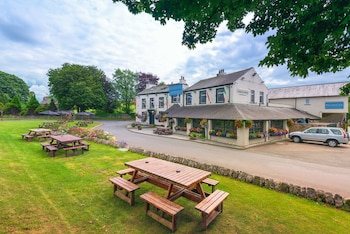Longlands Inn and Restaurant - Featured Image  - #0