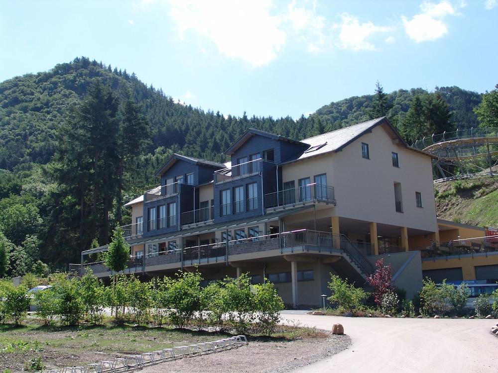 M13 Hotel