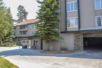 Sierra Megeve Location in Mammoth 2 Br condo by RedAwning
