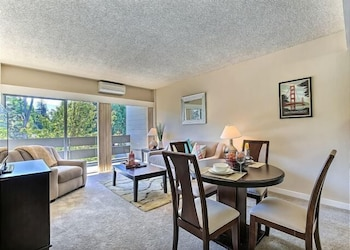 Palo Alto Place 207 Upscale 1 1 in Palo Alto 1 Br apts by RedAwning