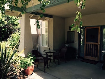 Constance Gardens 3 Br home by RedAwning