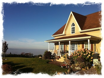 Photo for Rolling View Highlands Bed and Breakfast in Uxbridge, Ontario