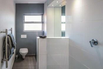 Parkhill Bellemar Residences - Bathroom  - #0