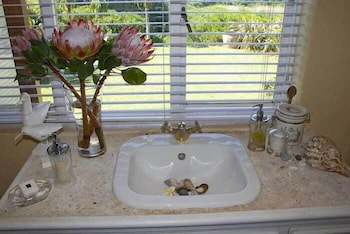Kennedy's Beach Villa - Bathroom Sink  - #0