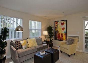 Sofi 423 Stylish 2 2 in Sunnyvale 2 Br apts by RedAwning
