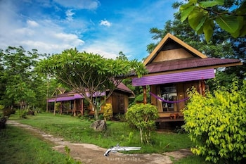 Photo for Romantic Time Mountain Resort in Pai