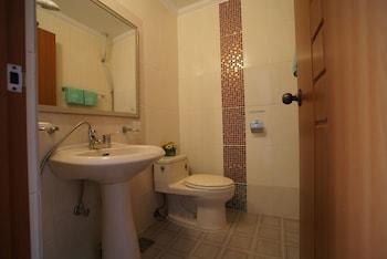 Euro House Pension - Bathroom  - #0