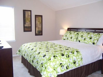 Fantastic 5 Villa with Jacuzzi close to Disney 5 Br villa by RedAwning