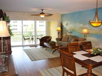 Photo for Bella Lago 233 Wkly 2 Br condo by RedAwning in Fort Myers Beach, Florida