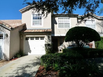Fairways 3 Br townhouse by RedAwning