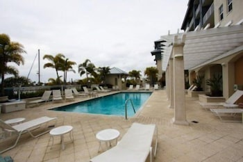 3 bedroom townhome right outside of Tampa by RedAwning