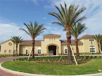 Tidelands 924 2 Br condo by RedAwning