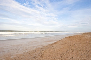 Beach Walk In Vilano 2 Br home by RedAwning