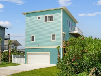 Serenity Now 4 Br home by RedAwning