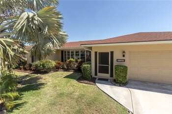 Venice Lakeside 4 Br home by RedAwning