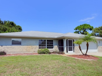 Venice Flamingo 3 Br home by RedAwning