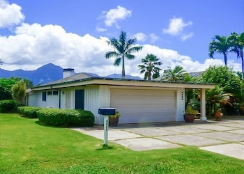 O'hana Retreat 3 Br home by RedAwning