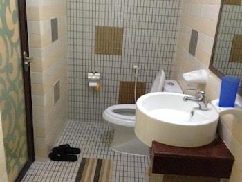 Golden Silk Road Hotel - Bathroom  - #0