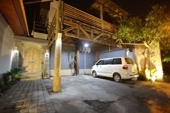 Rai House Sanur - Parking  - #0