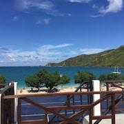 龍目島庫塔家庭式海灘飯店