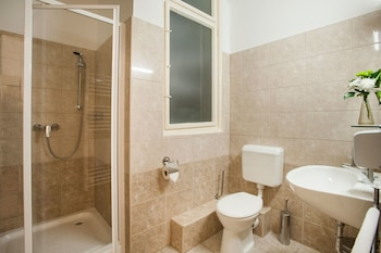 Baross City Apartments - Bathroom  - #0