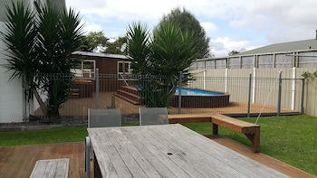 Apartments on 65 Taylor St - BBQ/Picnic Area  - #0