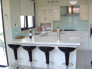 A Colourcity Apartments - In-Room Kitchen  - #0