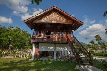 The Happy 8 Retreat X Kampung House